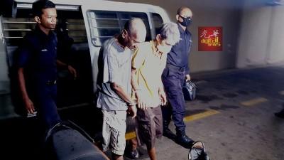 被告段文兴(右二)因抗拒或阻碍对其本人的合法拘捕)的罪名下被提控,俯首认罪,被判监禁20个月。