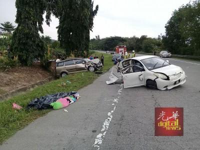 江沙通往宜力大道周六发生一起严重车祸,造成4死6伤悲剧。
