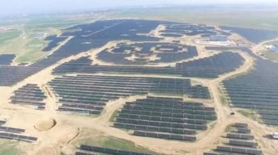 发电厂外观将采取深色水晶硅及浅色薄膜式太阳能电池,打空中俯瞰为熊猫造型的发电厂。