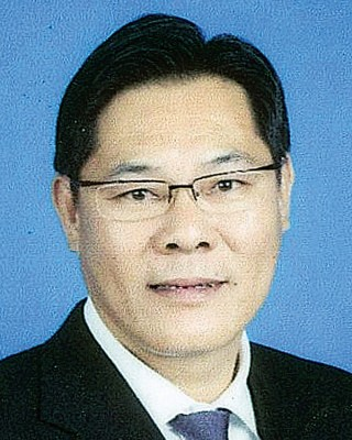 槟城冷气及冷房商公会主席 拿督庄汉隆DSPN
