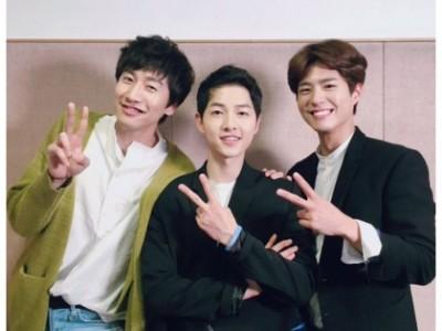 朴实宝剑(左起)、宋慧乔、刘亚仁、宋仲基。