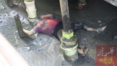 李亚萱遗体在桥屋下被发现。