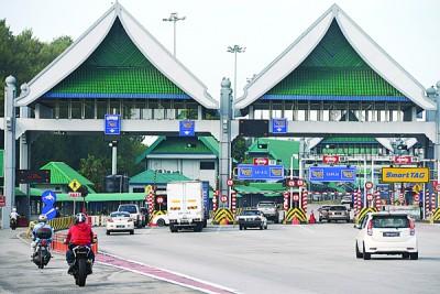 槟城大桥收费站并无出现车龙。