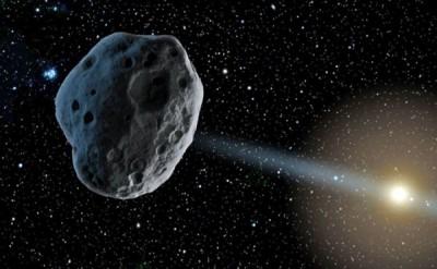 """小行星佛罗伦斯拿""""近距离""""掠过地球。"""