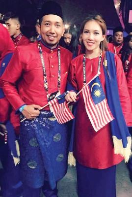 """已是东运多届""""元老""""的大马跳水美女梁敏仪在开幕后分享不一样的心情,她与马术运动员卡比尔安拔(Qabil Ambak)合照并表示:""""16年的友谊了!我们肯定是少数从2001年的吉隆坡东运会留到现在的运动员之一。"""""""