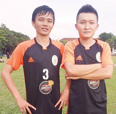 游永成(左)戰郭俊贤为岛屿队修罪。