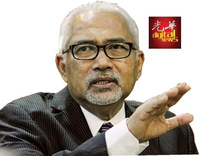 莫哈末哈欣接受本报专访时坦言,在选区划分的争议上,他『谁都不见』,免得落人话柄。