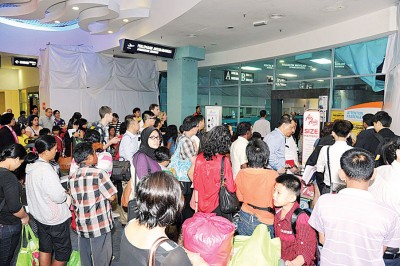 槟城国际机场的旅客吞吐量已经超越了它的650万人次的极限,比起预期的2020年目标早了四年(档案照)。