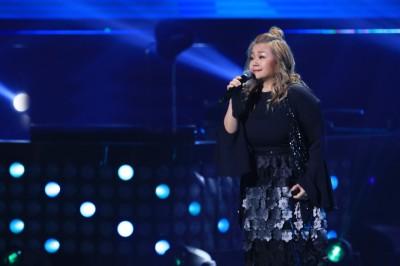 歌手娃娃金智娟隐退歌坛多年,没想到她竟然悄悄以参赛者身分,参加中国歌唱选秀节目重回歌坛,一开口就勾起无数歌迷的回忆。