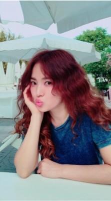 宋慧乔长相甜美,拥有大批粉丝。