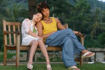 宋慧乔(左)与Rain共演的《浪漫满屋》是许多人心中的经典。