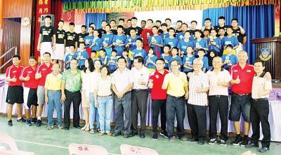30号称表现好的学生于选为极其富有潜能学员。