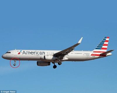 偷渡者,外甚至藏身在客机的面前起落架上。