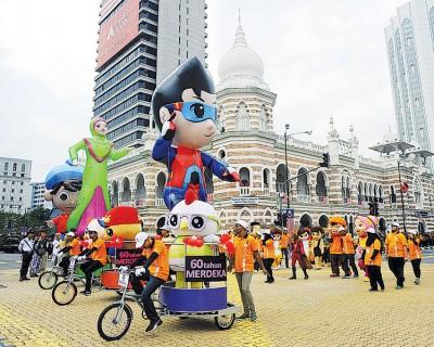国电影发展局的漫画人物游行队伍,举凡绝吸睛的演艺之一。