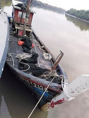 办案螺渔船因过作业遭吉打港口海事执法部门充公。