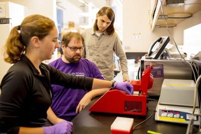科学家认为,这项研究可以让人类提前预防DNA排序对电脑系统的威胁。