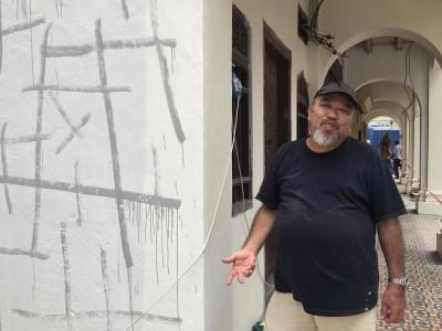 陈楚淮协助瑞奇李做好安排,以方便进行壁画画作工程。