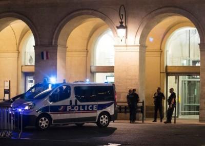 火车站据报有枪手开枪。(法新社照片)
