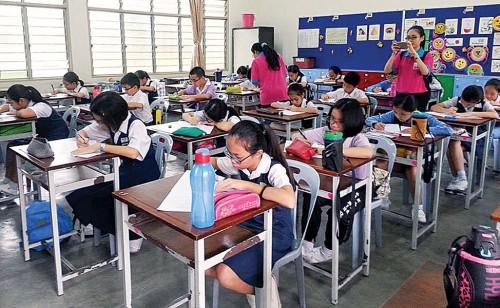 吉中区华社促请教育部早日批准新民中学申办二校的批文,造惠莘莘学子。