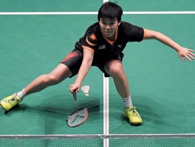 吴堇溦艰难地为大马队挽救决赛赛点,最终我国还是屈居东运羽球女团亚军。
