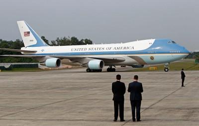 特朗普既投诉空军一号造价太贵,威胁取消订单。