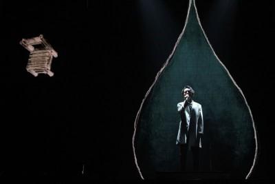 林宥嘉这场演唱会很有诚心也充分用心,各级一首歌曲,烘托的像设计与灯光都给人死轻进入歌曲的意境,长林宥嘉歌声的感染力,死有魅力和魔力。