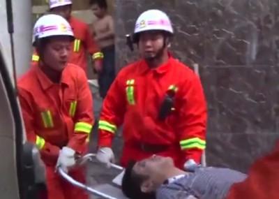 男子随即被送院救治。