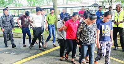 30名非法外劳被提控上庭。
