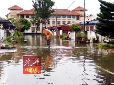 英碧安丽雅花园道路再次面对水淹情况。