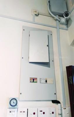 为保证安全,李董泉不惜耗资2万令吉重新安装老屋电线。