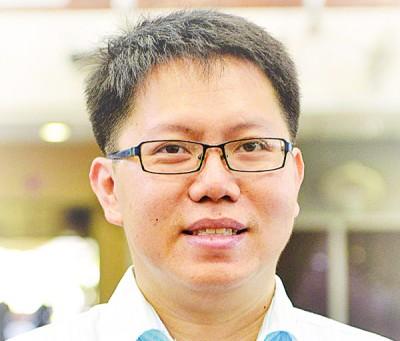 王敬文:公正党仍将大选日设在今年,暂没改变。