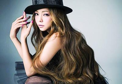 安室奈美惠退出歌坛,话题持续发烧。