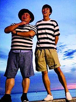 胡瓜(左)有子初长成,已经退伍的安安准备出道。