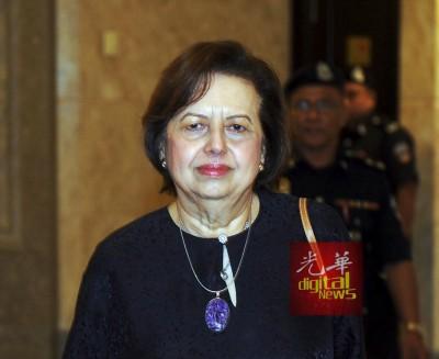 洁蒂周三参加外汇交易亏损皇委会听证会,供出国行于不久6年内亏了320亿7400万令吉。