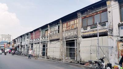 市厅展开的汕头街5间半战前屋翻新工程,目前已完成达38%修复工作。(档案照)