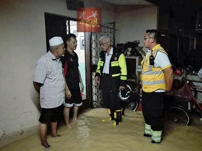 彭文宝巡视灾区及慰问灾民至凌晨4时。