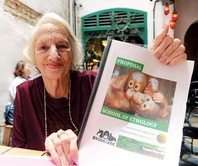 """法兰丝妮歌今年已87岁,但仍自称""""年轻""""有魄力,可以完成自己开设动物行为学的心愿。"""