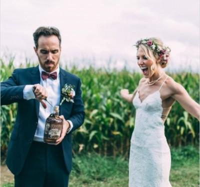沃尔什(左)和布蕾克(右)将迎来结婚周年纪念。(互联网图片)
