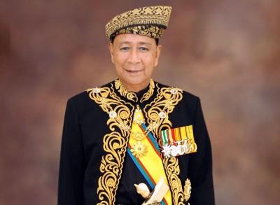 吉打州王储东姑沙烈胡丁继任王位,被册封为吉打州第29任苏丹。