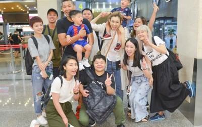 法玮琪今继家人及工作人员飞往上海准备演唱会。