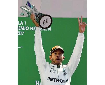 在意大利站夺标后,汉密尔顿在车手积分榜得以3分反超维泰尔。