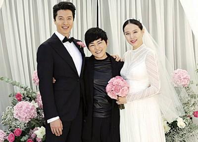 李东健和赵胤熙办婚礼,婚礼摄影师在IG公开照片。