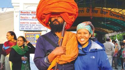 在印巴边界的阿姆利则金庙(Amritsar Golden Temple),咏涵首次与浓厚的锡克族文化特色近距离接触。