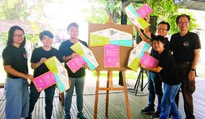 """槟城人民之声(SUARAM)将于11月及12月举行""""2017地方民主嘉年华"""",即起正式接受报名。左起为李嘉霓、罗贵玲、林毅哲、李桂娴、陈华州、谭嘉杰。"""