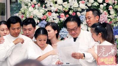 杨忠礼向来热心公益,家属在追思会宣布捐款予国内文教非政府组织和慈善团体。