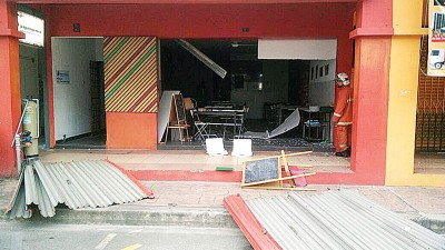 煤气桶发生煤气泄露并引发爆炸事故,所幸无人伤亡。
