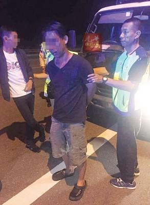 警方将肇祸司机逮捕归案助查。