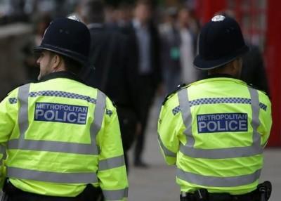 公务员被迫冻薪,目标包括警察。