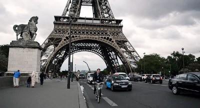 巴黎拟于2030年起禁止汽油车行走。