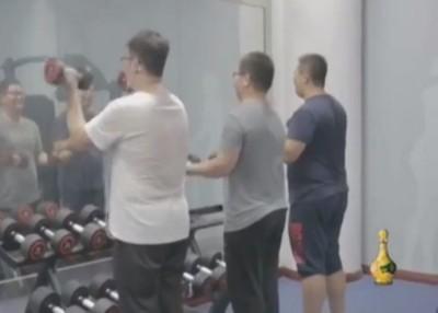 学员而开展负重及带氧运动。